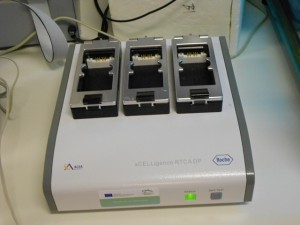 Real time cell analyzer